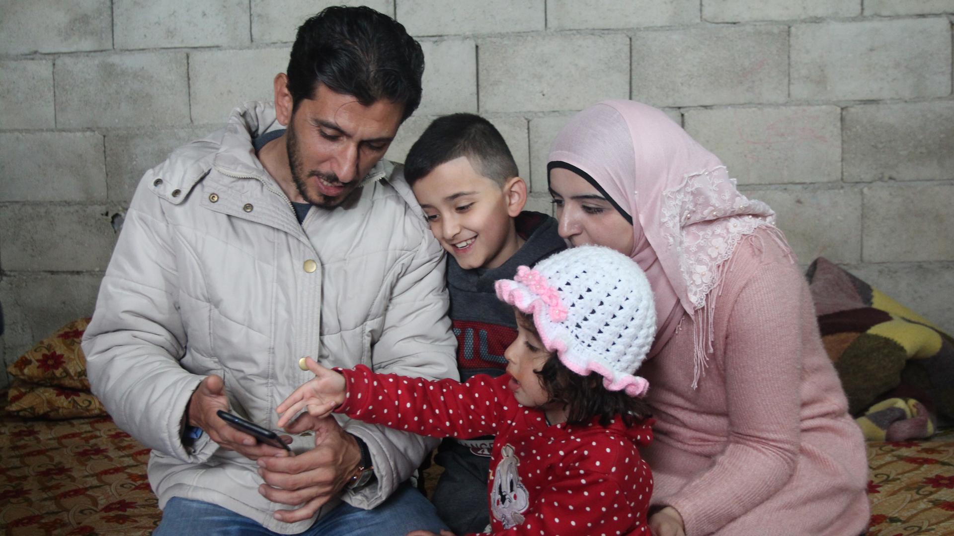 Una de las últimas fotos de Abdulaziz y su familia en Líbano, el país en el que se refugiaron antes de partir hacia Argentina. Foto: JSM.