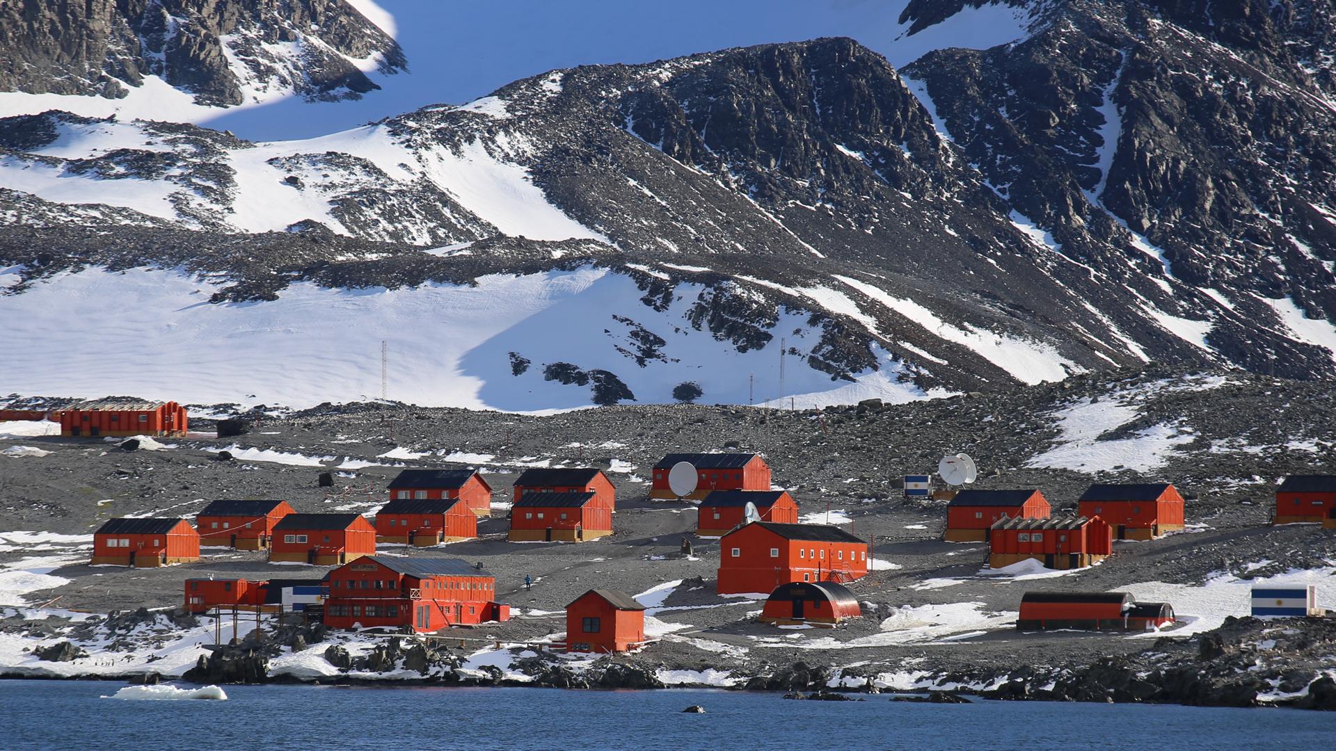 El Sector Antártico Argentino, en el que están instaladas todas las bases, tiene como objetivo principal llevar adelante tareas de investigación. Foto: Archivo DEF.