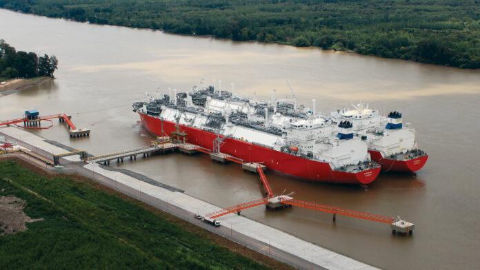 La terminal de regasificación, ubicada en el kilómetro 74,5 del río Paraná de las Palmas, estuvo en los últimos meses en el ojo del huracán. Foto: Archivo DEF.