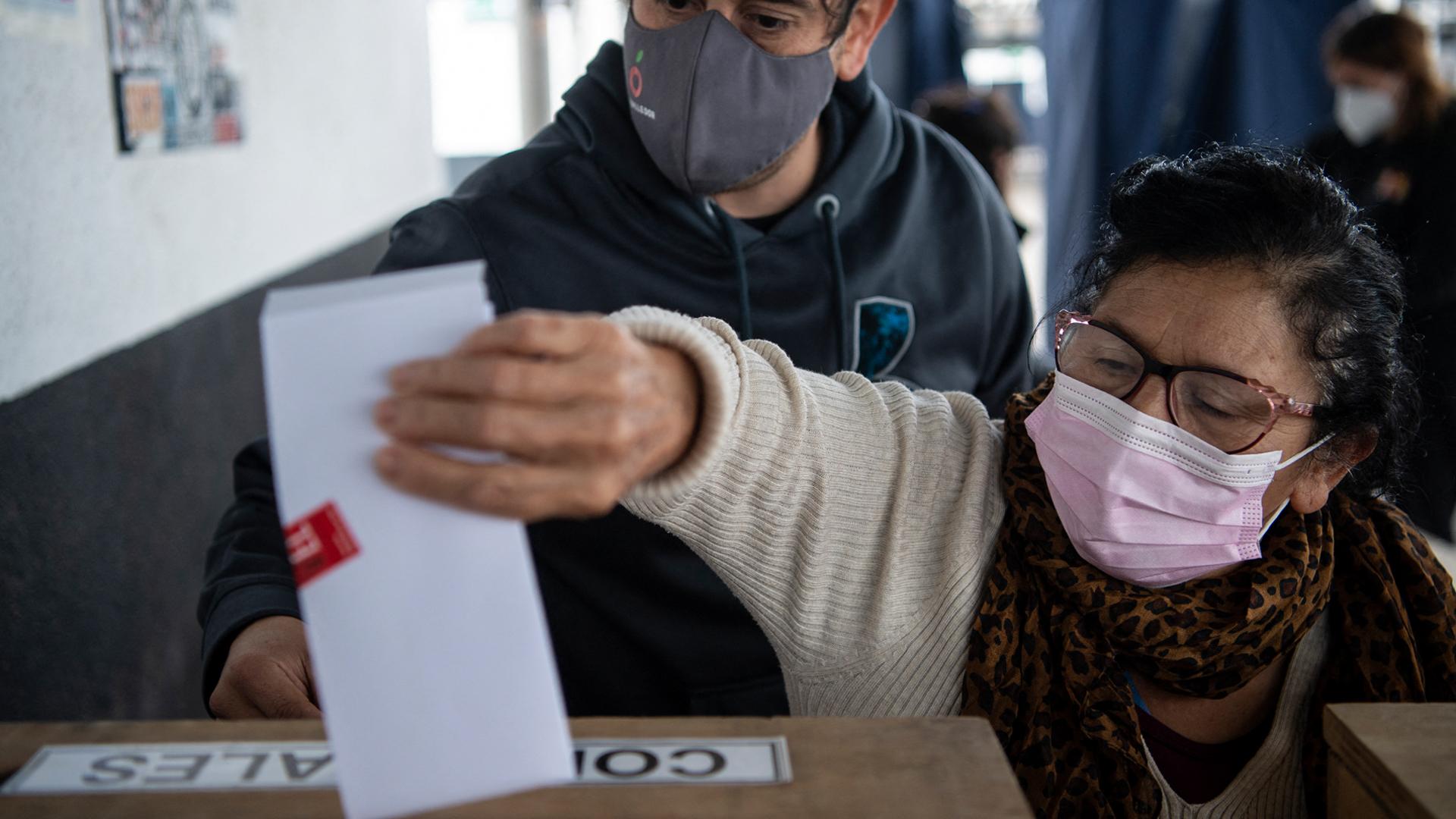 Las elecciones del pasado mayo resultaron un duro golpe para los partidos tradicionales. Foto: AFP.